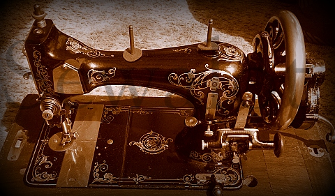 Antique sewing machines best sewing machines reviews 2017 husqvarna viking sewing machine sciox Choice Image