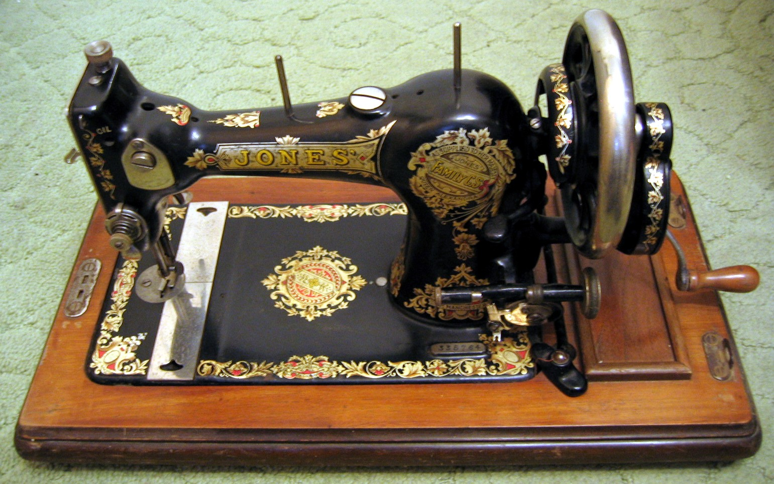 antique sewing machines best sewing machines reviews 2017. Black Bedroom Furniture Sets. Home Design Ideas